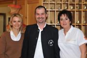 Serviceleitung Andreas Jäger mit Erika und Michaela